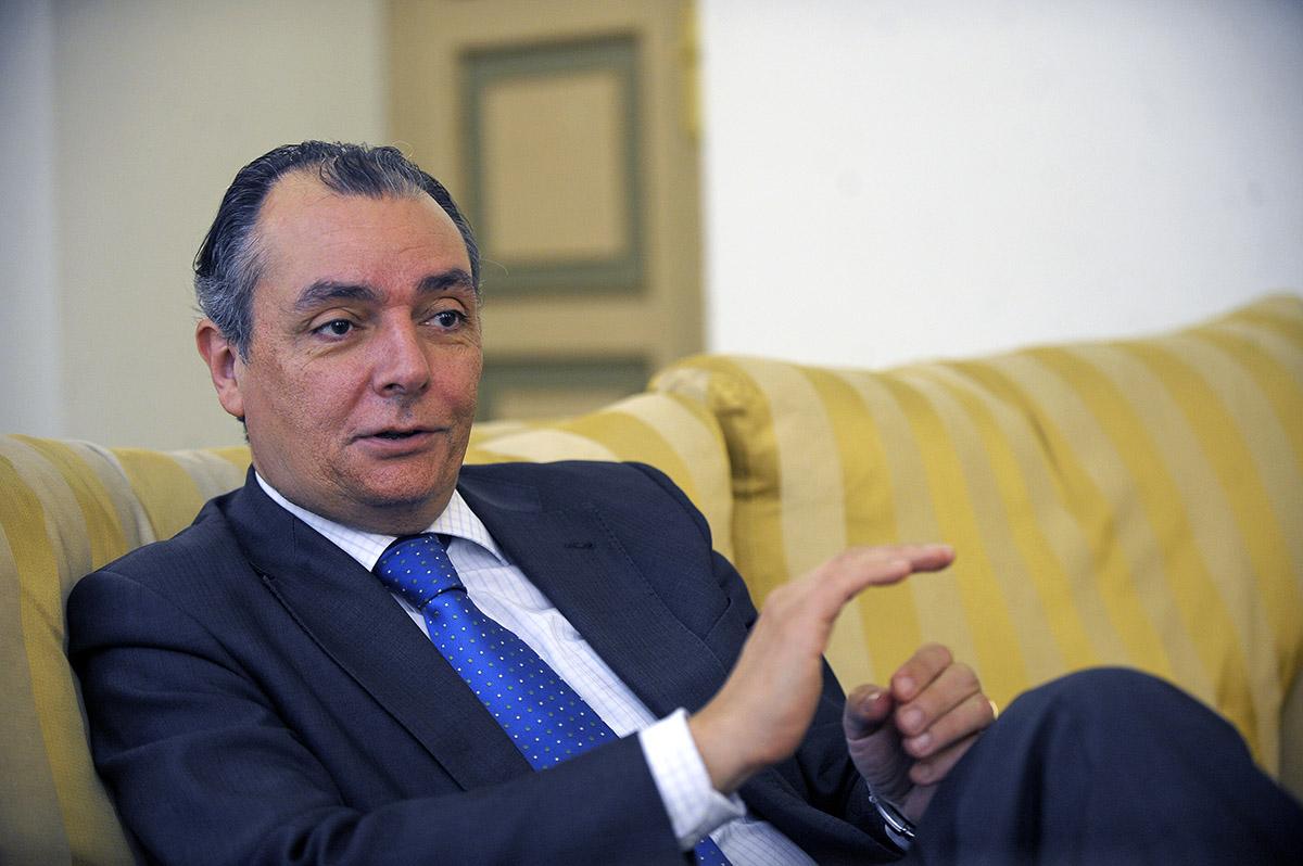 Navarro refor a la nova patronal amb la suma del calcer for Salvador navarro